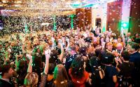 Новый Год в большой компании: как организовать праздник для гостей?